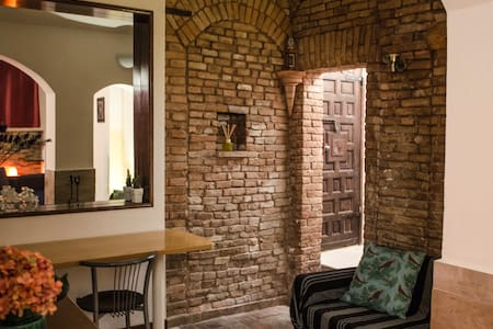 Medieval apartment in the historical center - Bologna - Lakás