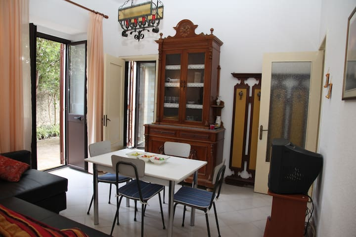 nuovo appartamento alle pendici dell'Etna - Zafferana Etnea - Daire