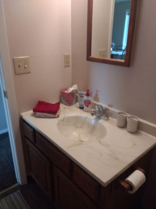 Bathroom with shower/tub stall