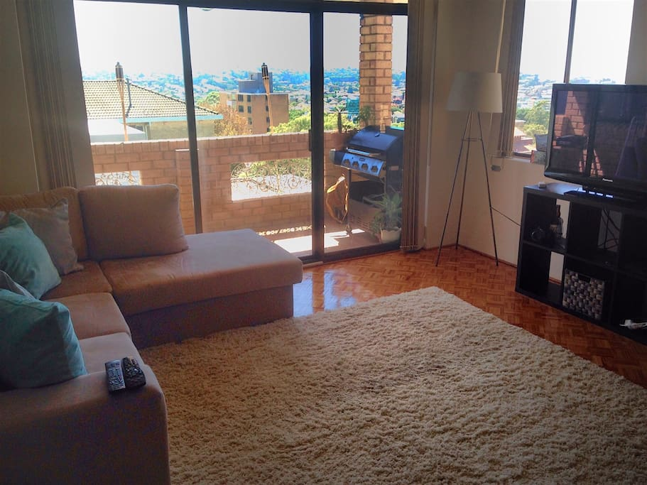 Living area with 180-degree views