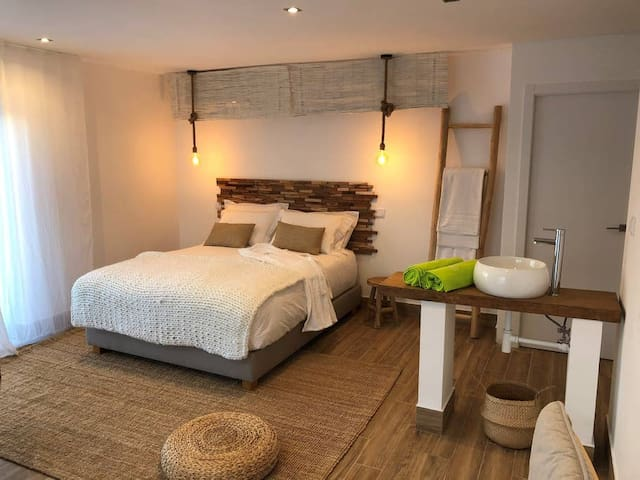 Alamos Retreat | Wellbeing & Yoga Home | Heavenly