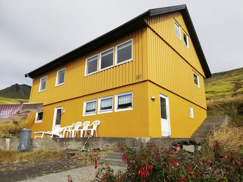The Yellow House 3 With a beautiefull view