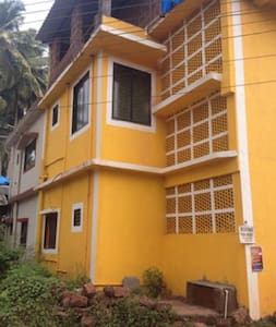 Yellow Color Apartment - Siolim