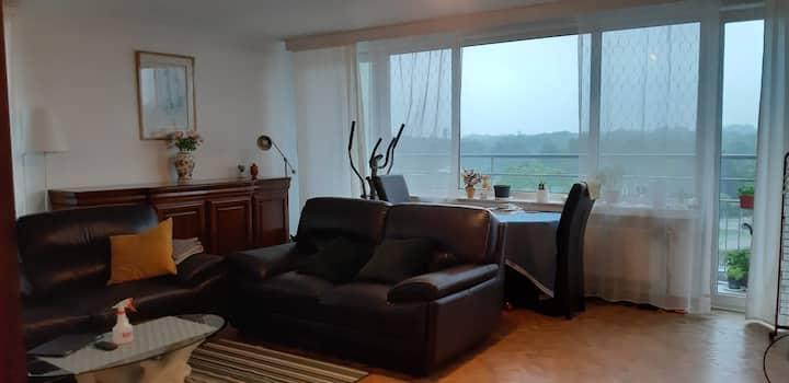 Appartement 100m2  totalment meublé à EVERE