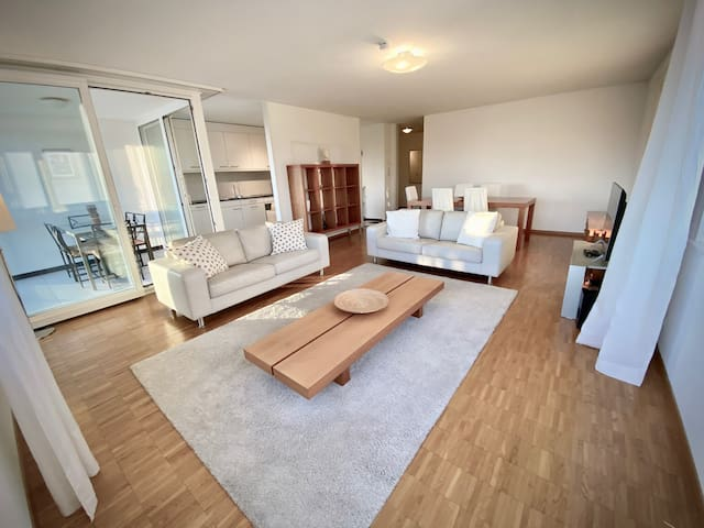 Your bright and spacious apartment by the lake