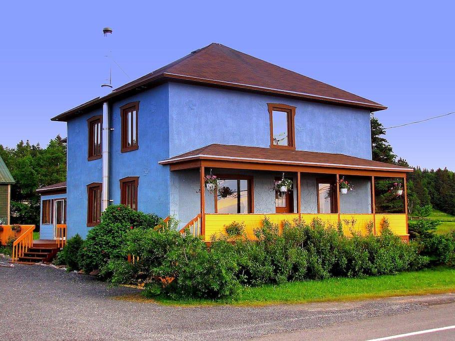 G te la maison bleue sainte flavie chambres d 39 h tes for Au gite de la maison hote