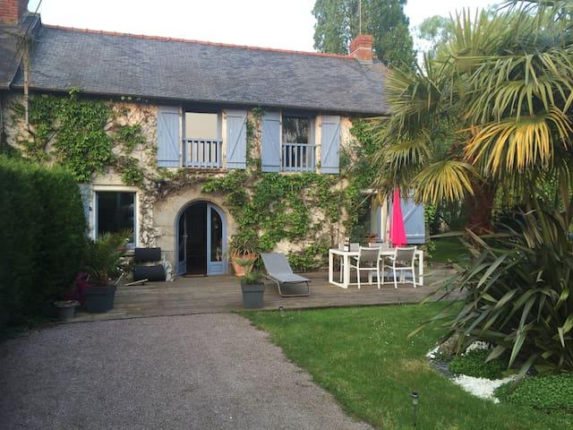 Maison en campagne, entre Rennes et Saint Malo - Montreuil-le-Gast - Rumah