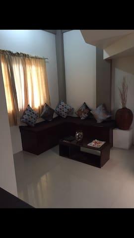 Unit 2 FREE Wifi!Cozy Apartment - Laoag City - Apartment