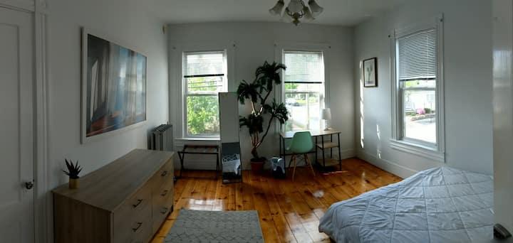 Bright Downtown Corner Room | MHT Oasis #3