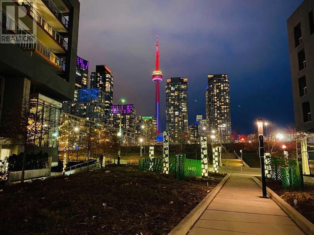 Elegant lakeview balcony near CN tower