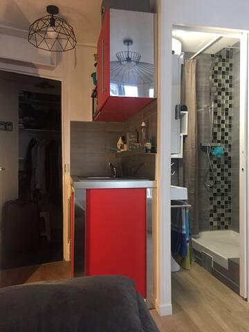 Studio neuf au cœur de Paris
