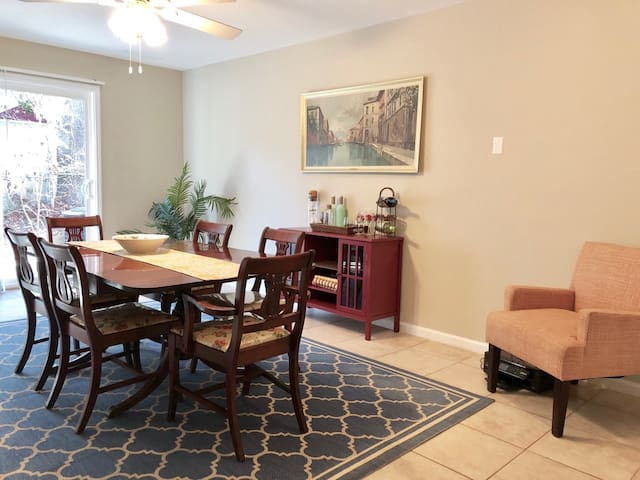 Charming and Spacious Minutes from Downtown