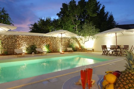 Century Apartment and Modern Pool - Racale - Villa