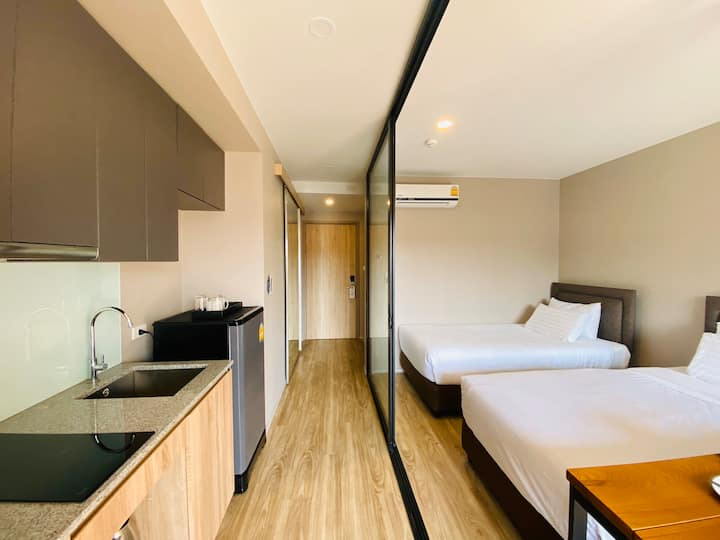 9000฿/month,豪华双人房/Twin bed room&Sathorn@SurasakBTS