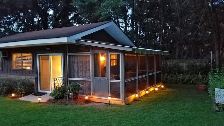 Beautiful Guest House in Desirable Northside