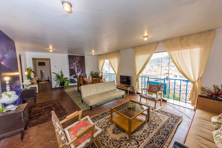 **One block from main square Flat **BEST VIEW**