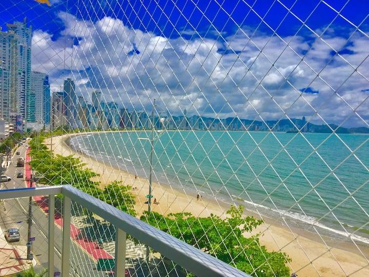 404 - Frente para o  Mar em Balneário Camboriú