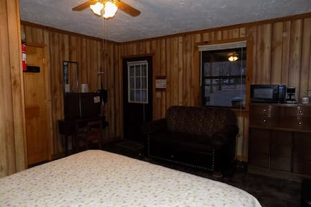 Cherokee Duplex Cabin B at Campground - Crossville - Blockhütte