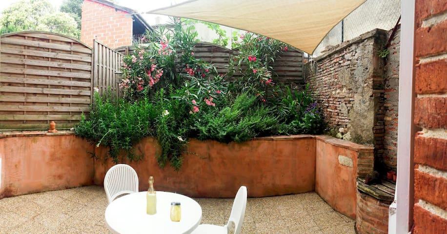 Le Petit Nid avec terrasse pour 2 - Beaumont-de-Lomagne - Apartamento
