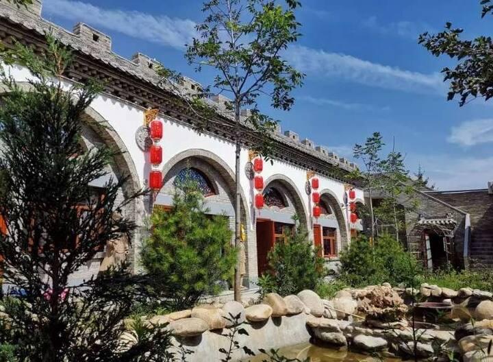 远离城市的喧哗秦俑村窑洞庭院温馨标间
