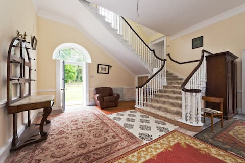 Georgian Country House only 10 miles from Trim