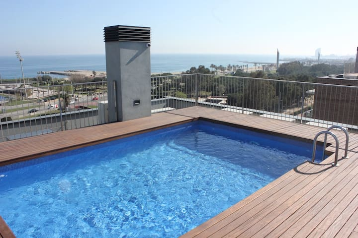 Apartment First Line of the Beach, Rooftop Pool - Barcelona - Apartament