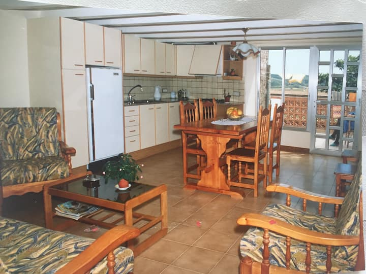 L'Arboç : Maison T5 avec terrasse intime et vue
