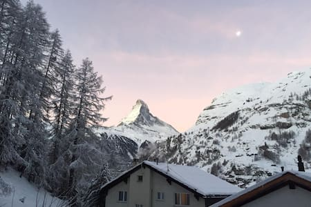 Trudi's Terrace - 2 Bedroom Great Matterhorn Views