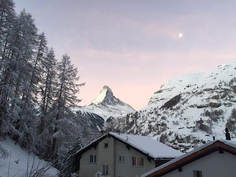 Trudi's Terrace - 2 Bedroom Great Matterhorn Views