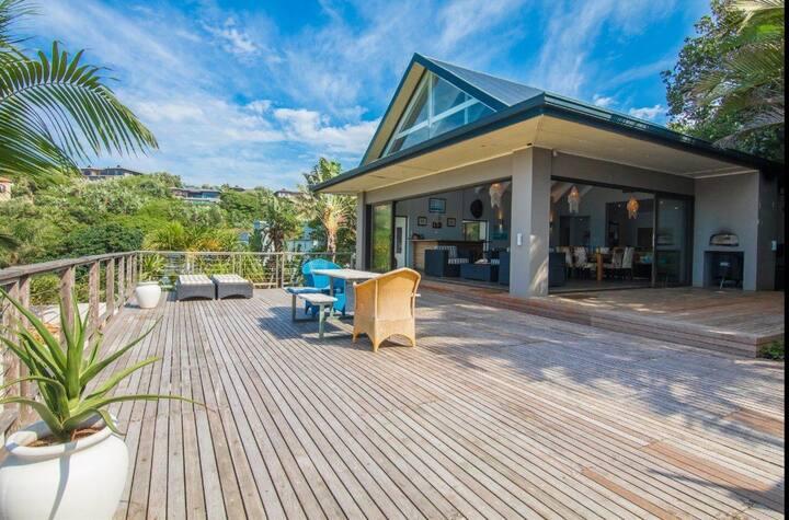 Gorgeous Family Beach House @92