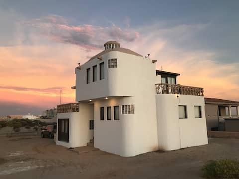 Beach home 2 bedrooms, 2 bath, Playa Encanto