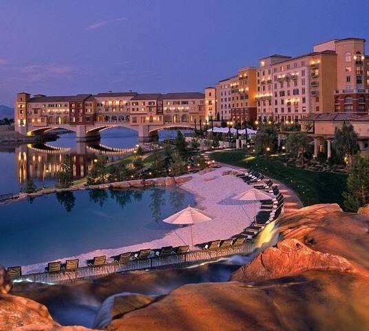 Modern Suite@ Lake Las Vegas Resort