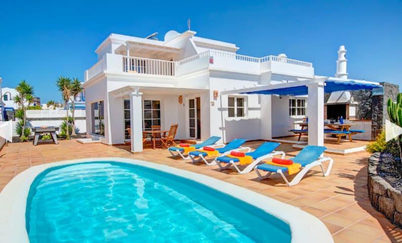 Villa Mar Blanca, una preciosa Villa junto al mar