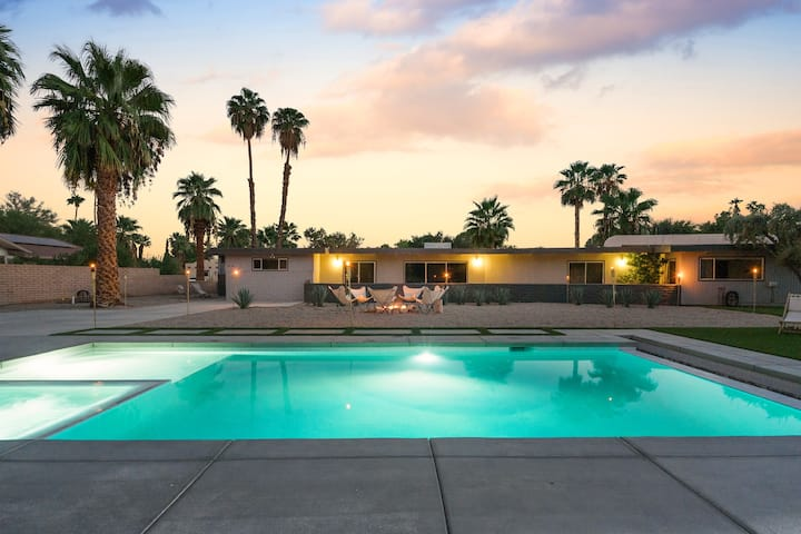 DeAnza Designer MCM Hideaway w/Pool & Spa