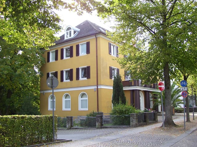 2 Zi. Whg direkt am Schloss/Kurpark - Bad Pyrmont - Apartment