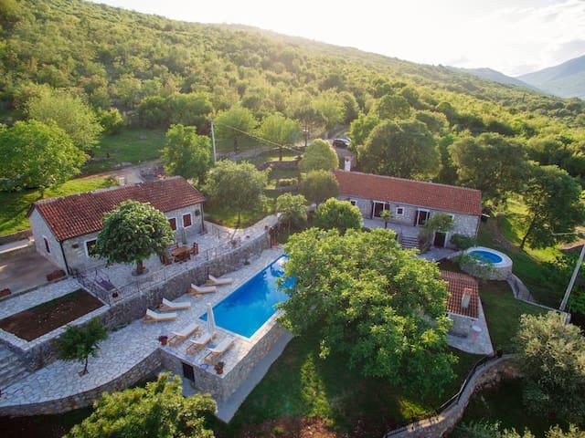 Etno Resort Grandfather's Secret - Villa LIPA