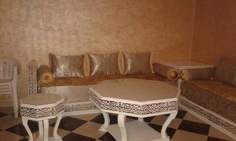 Bel appartement neuf avec une grande terrasse - Tanger - Departamento