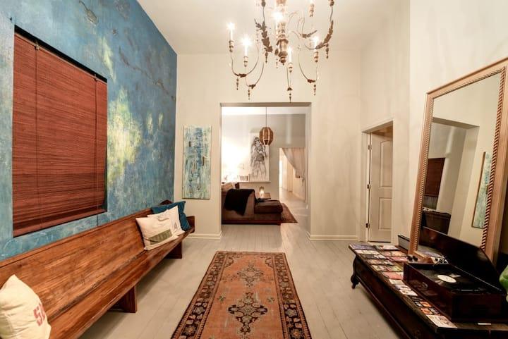 Artsy Treme Guesthouse (Aqua Room)