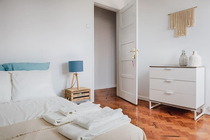 River View private double bedroom in Graça 5