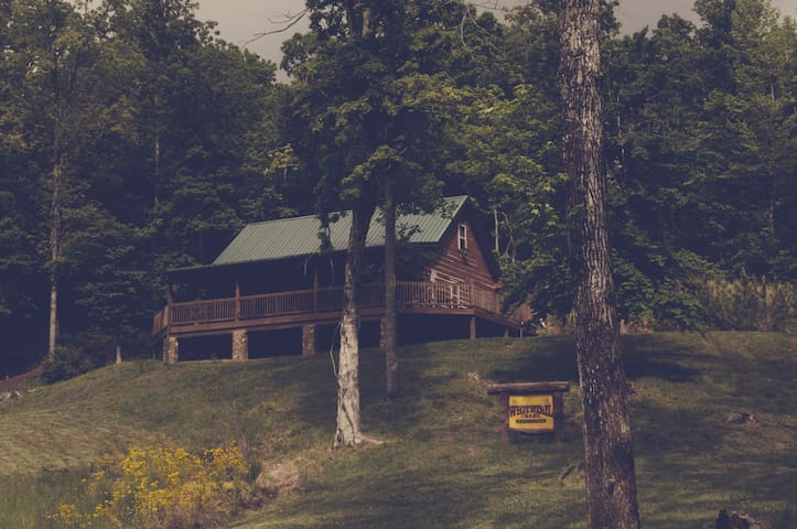 Whitetail Creek Outfitters lake cabin