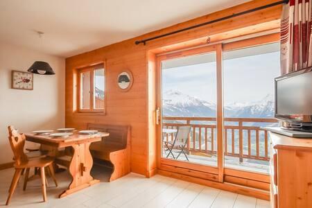 Appartement avec belle vue village des Eucherts