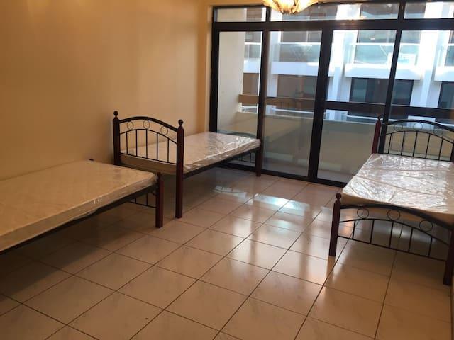 Male Bachelors/Group Bedspace Near Al Fahidi metro