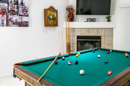 3BD/2BA SONOMA WINE COUNTRY HOME | POOL TABLE