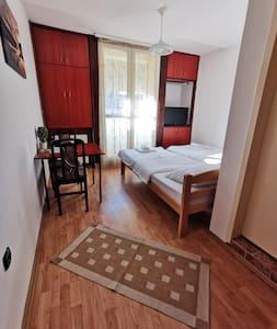 Garden Apartment 3