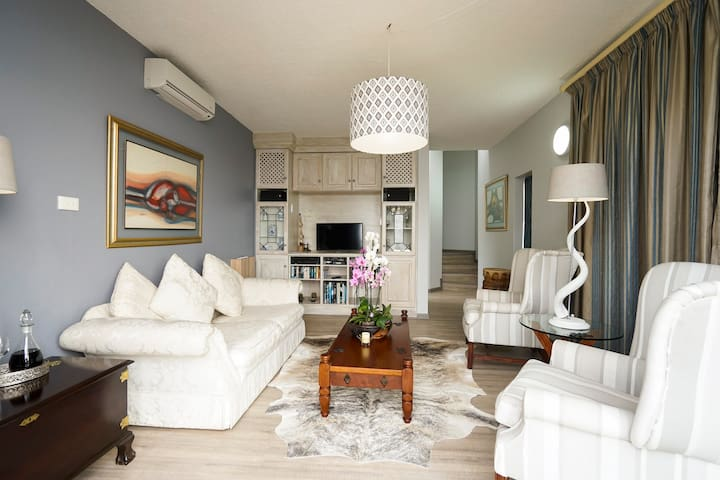Milkwood Seaview Apartment