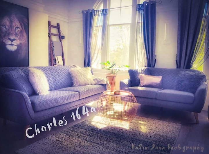 Charles 164a Manhattan Style Living Apartment ....