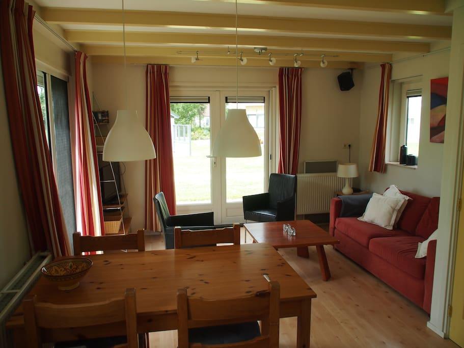 woonkamer met uittrekbare slaapbank