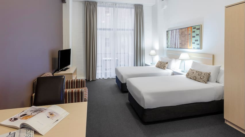 Studio Apt steps from Darling Harbour & Casino