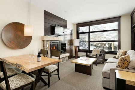 Snowmass Base Village with Balcony. Elevator, Air Conditioning, Parking, W/D. Above Kids Ski School