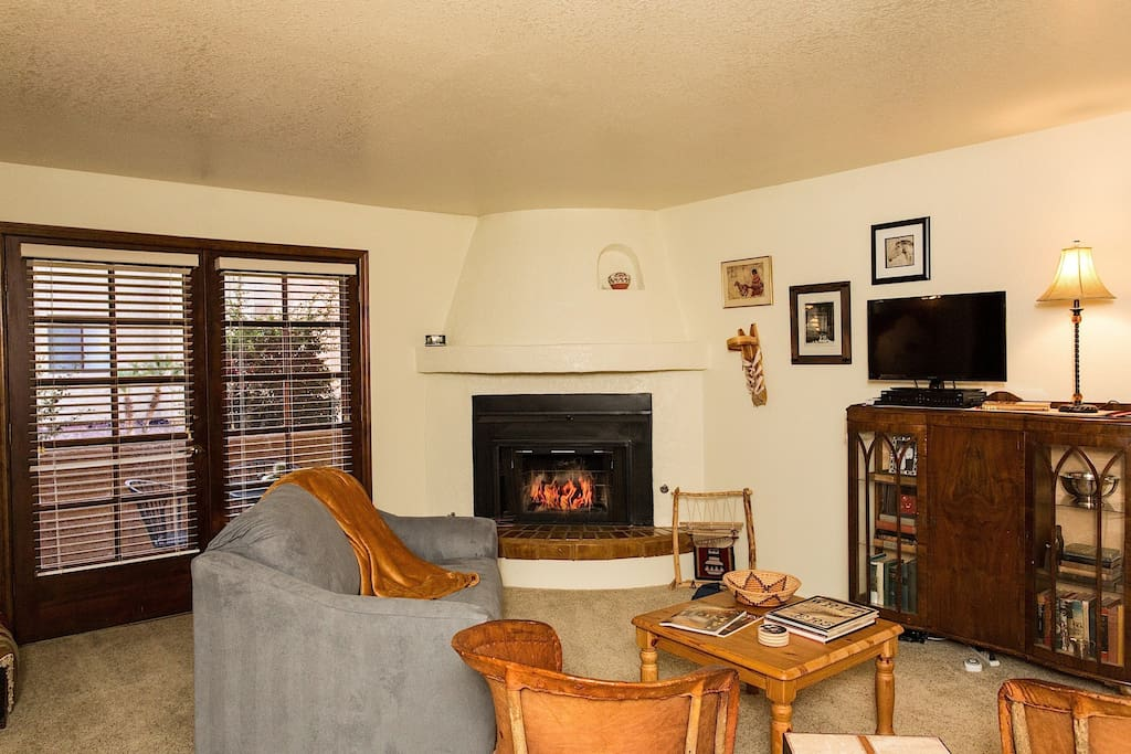 Living room with gas, beehive, fireplace